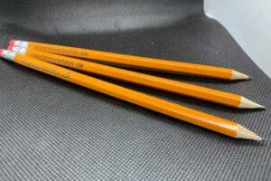 Gule gammeldags blyanter